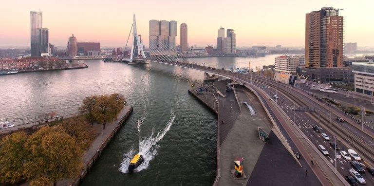 rotterdam-overview-skyline-erasmusbrug-watertaxi-rotterdam-partners