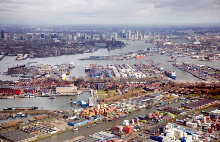 rotterdam gerhard van roon luchtfoto haven industrie rdm rivier maas