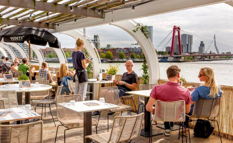 Aloha Bar Rotterdam gevestigd in het oude Tropicana zwembad is nu een restaurant en uitgaansgelegenheid