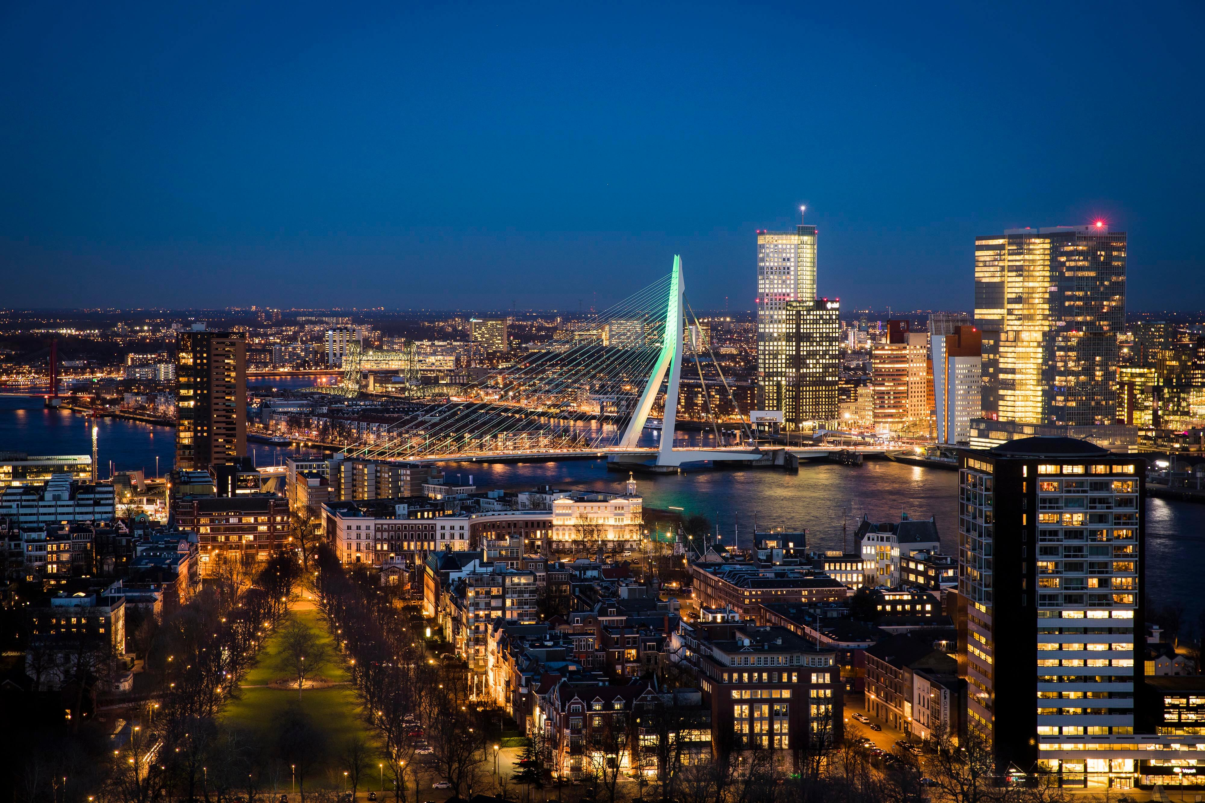 Skyline Rotterdam by Night Erasmusburg