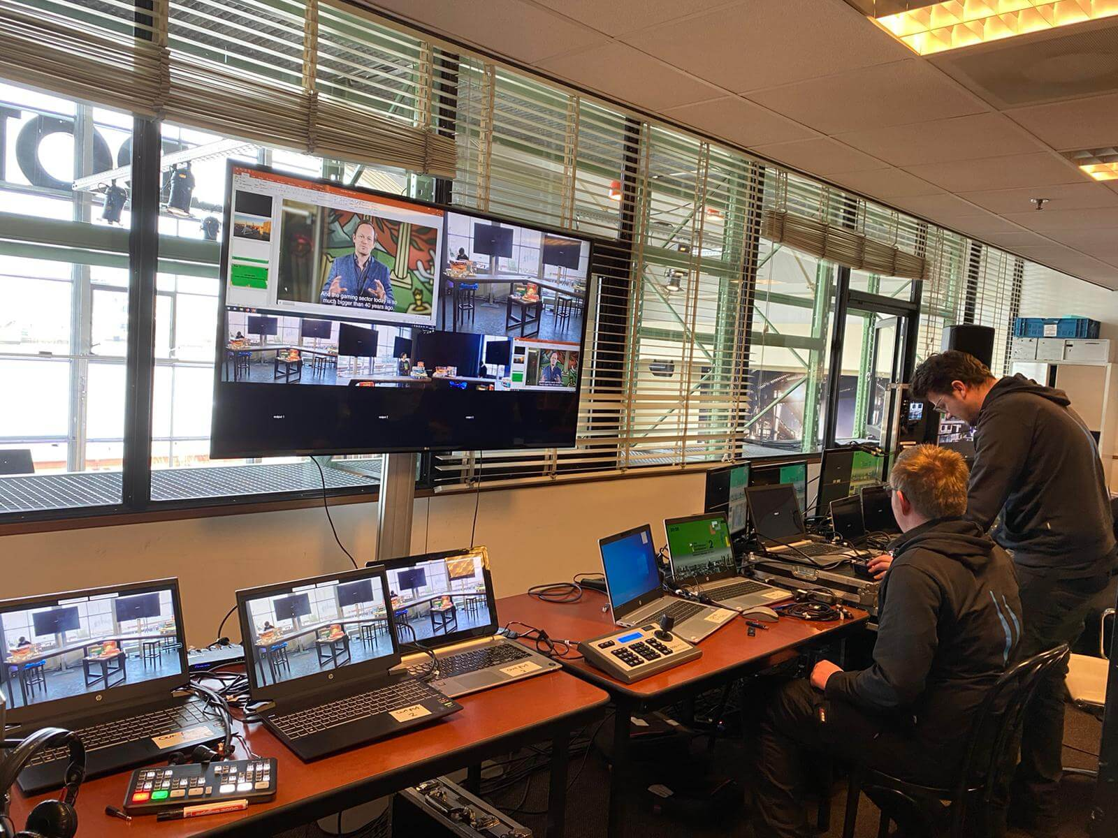 A special studio was set up at Cruise Terminal Rotterdam for this experiment.
