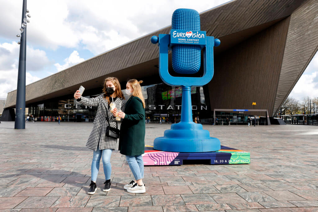 The four-metre high 3D printed Eurovision trophy in front of Rotterdam Central station. Photo: Roel Dijkstra